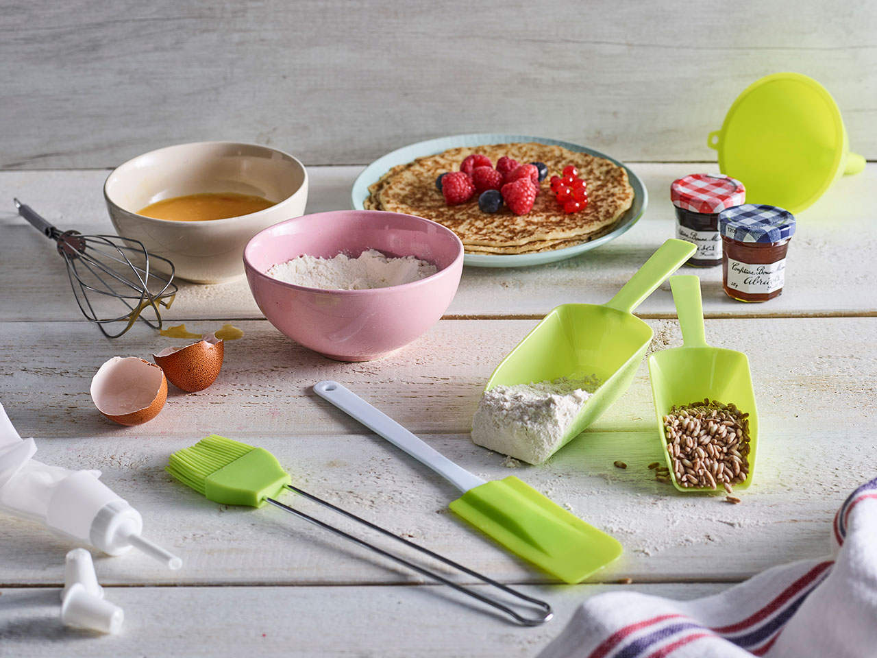 tools-and-gadgets-pastries-1